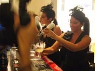 O bartender deve saber fazer pelo menos os mais populares para se inserir no mercado de trabalho. Foto: Orijinal