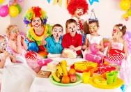 Se o cliente preferir fazer a festa em sua própria casa, marque uma visita com antecedência para conhecer bem o local