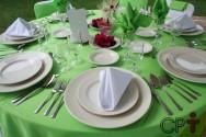 Como compor a mesa em almoços, jantares, festas de casamentos e cerimoniais