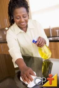 Aprenda alguns segredos para deixar sua cozinha sempre limpa e impecável.