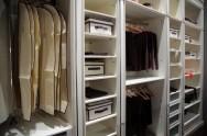 Tudo em sua casa deve ser planejado, até a organização do seu guarda roupas.