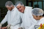 Cartilha dos frigoríficos: normas de segurança e saúde em empresas de abate e processamento de carnes