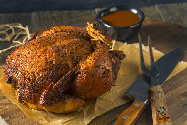 Como fazer frango inteiro defumado   Receitas Cursos CPT