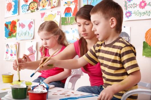 Artes Plásticas na Educação Infantil: atividades abertas X atividades dirigidas