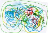 A criança já faz diferentes tipos de desenho, normalmente partindo do círculo. Foto: Reprodução