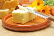 Como fazer manteiga: pasteurização, maturação, batedura, malaxagem, lavagem e salga