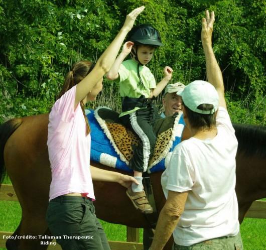 Equitação terapêutica desenvolve a tenacidade, a perseverança, a calma e o domínio de si mesmo