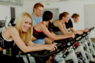 Exercício físico melhora a saúde e o rendimento profissional