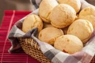 Petiscos para a copa e para festas juninas - Broa de Fubá e Pão de Queijo