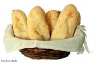 Polvilho, óleo, água, sal e ovo. Estes são os ingredientes necessários para se fazer deliciosos biscoitos de polvilho