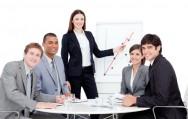 Os líderes/gerentes devem mostrar na prática como fazer alguma atividade antes de exigir primasia e perfeição