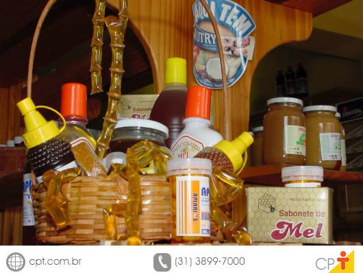 Mel - embalagens apropriadas para o armazenamento e a comercialização. Cursos CPT da área Apicultura