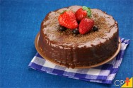 Doces Receitas - Torta Cremosa de Morango e Chocolate