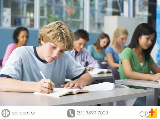 As principais metas previstas pelo PNE visam à melhoria do ensino público e ao reconhecimento dos profissionais de educação