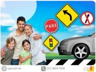 Pedestres e condutores - dicas para a boa prática no trânsito