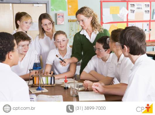 Ministrar aulas práticas, rotineiramente, é um desafio para os professores, melhoram o desempenho dos alunos e os tornam mais ativos