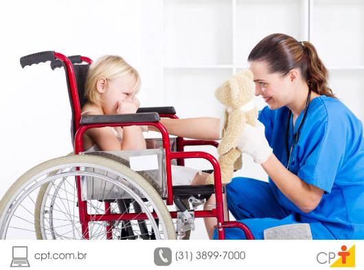 Ao assumir o trabalho como babá de uma criança com necessidades especiais, você deve conhecer o histórico da criança, o modo dela de ser e o modo como os pais lidam com a deficiência