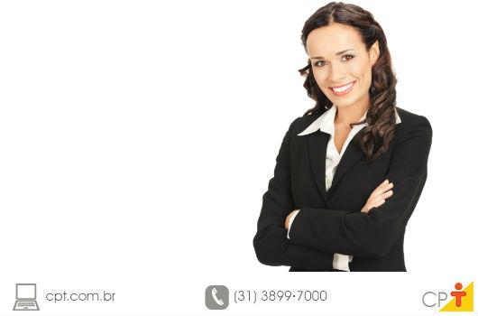 empresária fazendo a pergunta: um emprego ou uma carreira promissora, qual você tem?