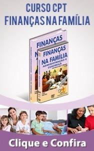 família reunida avaliando os gastos da casa