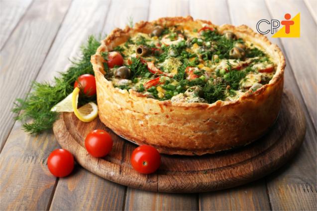 Torta vegetariana de legumes com lentilha