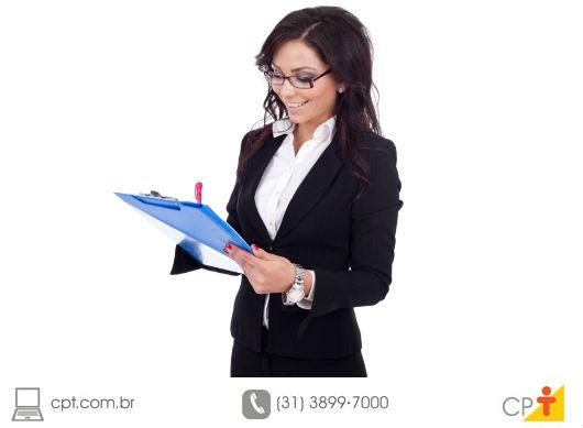 Aqueles que buscam colocação ou melhoria de cargo devem manter o currículo sempre atualizado - Artigos CPT