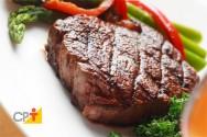 Carne assada na panela de pressão - aprenda a fazer