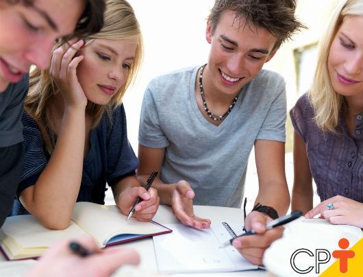 A sala de aula é um ambiente em que o aluno tem a oportunidade de estar em contato com conteúdos diversos - Artigos CPT