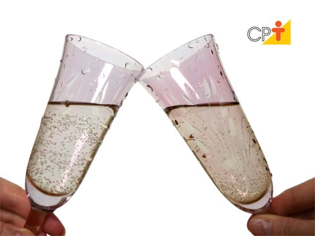 Como servir champagne