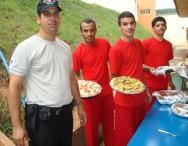 Alunos em aula prática do curso de Treinamento de Pizzaiolo.