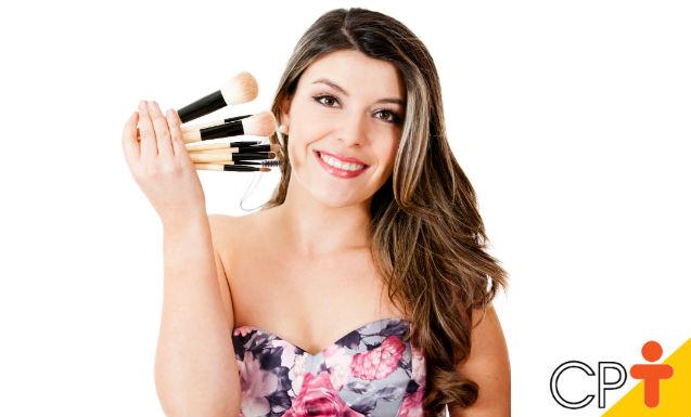 Pincéis e esponjas - cuide bem do seu equipamento de maquiagem    Dicas Cursos CPT