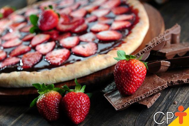 Pizza de morango com chocolate: aprenda a fazer    Artigos Cursos CPT