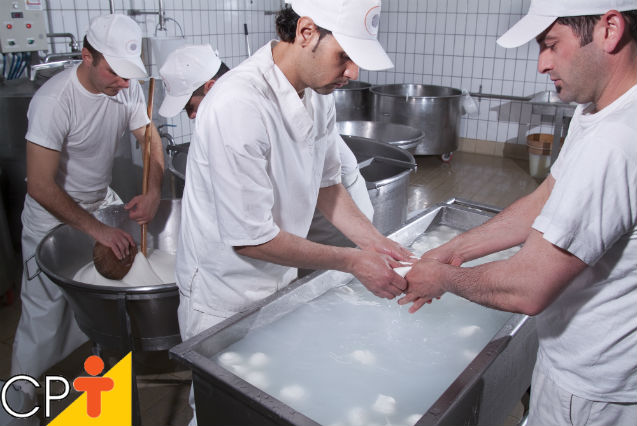 Higienização na produção de alimentos: saiba mais sobre isto   Artigos Cursos CPT
