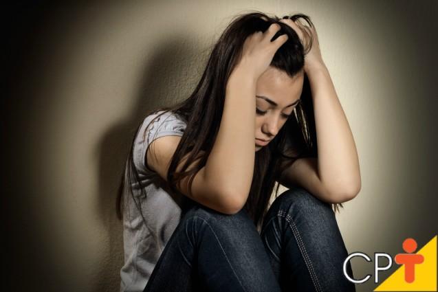 Fatores sociais que levam os jovens ao uso de drogas   Dicas Cursos CPT
