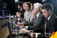 Em solenidades oficiais, como compor uma mesa diretora?