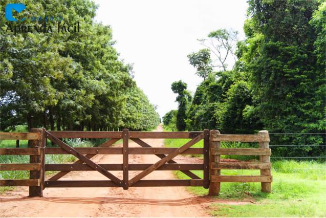 Porteira propriedade rural