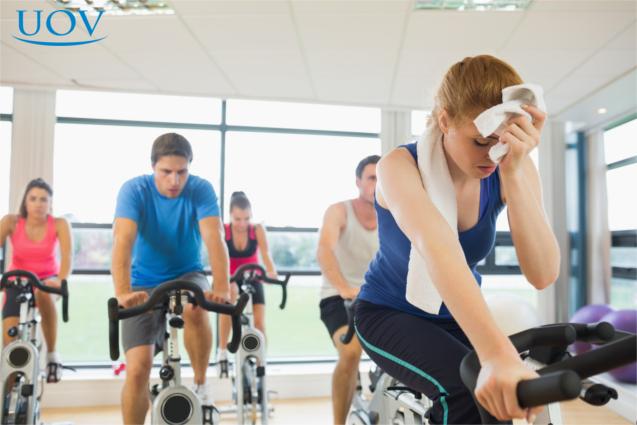 Academia exercício aeróbico