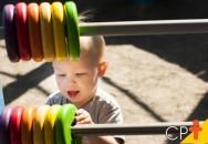 Por que as crianças devem tomar banho de sol?