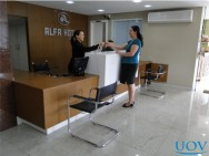 Procedimento de check-in e check-out de um hotel