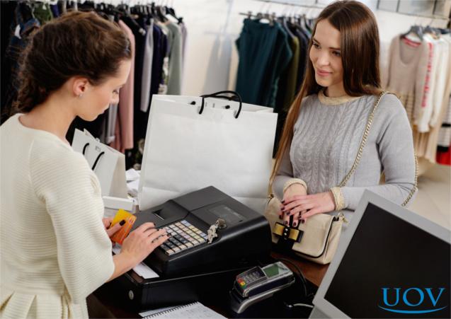 Cliente realizando compra
