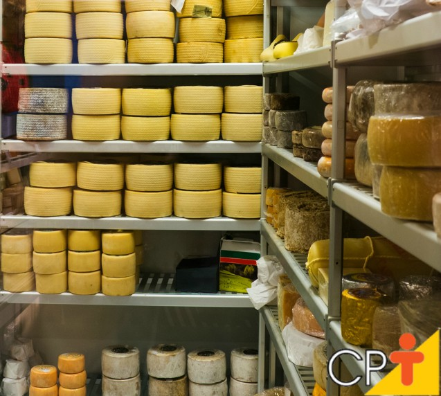 Queijeiros de MG maturam seus próprios queijos e lucram mais   Notícias Cursos CPT