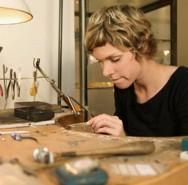Existem materiais que são criados de acordo com a necessidade de inovação das joias.