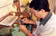 A arte de fabricar joias é anterior à escrita e vem sendo aperfeiçoada desde então.