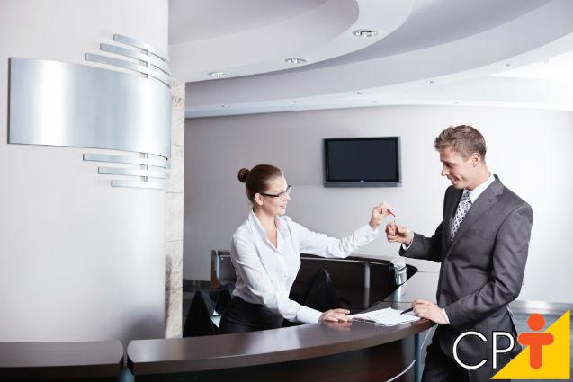 Recepcionista de hotel: funções a desempenhar   Artigos Cursos CPT