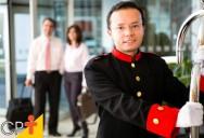 Qual a função dos mensageiros nos hotéis?