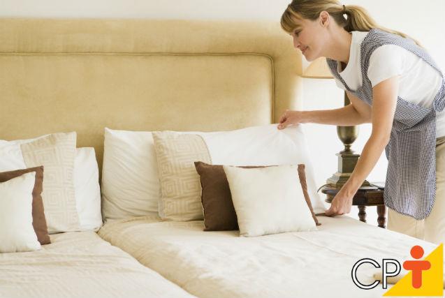 O que faz a camareira? Quais são suas atividades diárias?   Artigos Cursos CPT