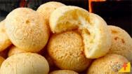 Aprenda como fazer um pão de queijo passo a passo