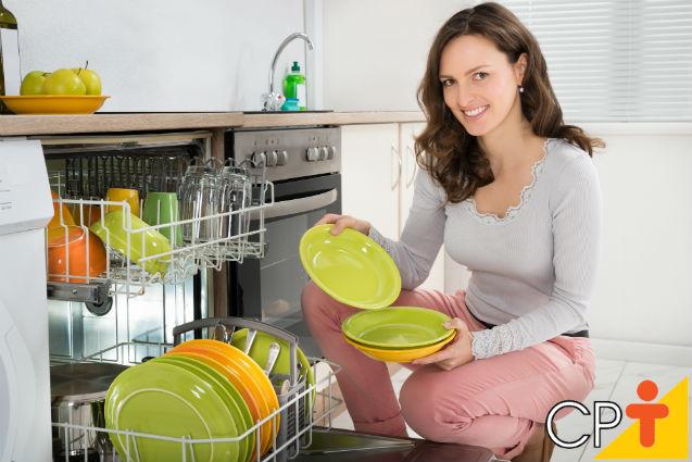 Como funcionam as máquinas de lavar louças?   Dicas Cursos CPT