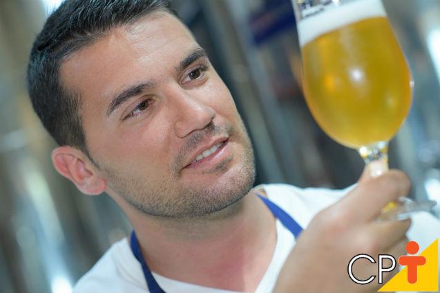 Carbonatação da cerveja maturada em balde plástico: como fazer   Artigos Cursos CPT