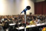 Falando em público: o que é a disfonia?