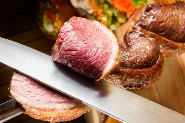Sal grosso ou tempero: qual usar em carnes para churrasco?   Artigos Cursos CPT